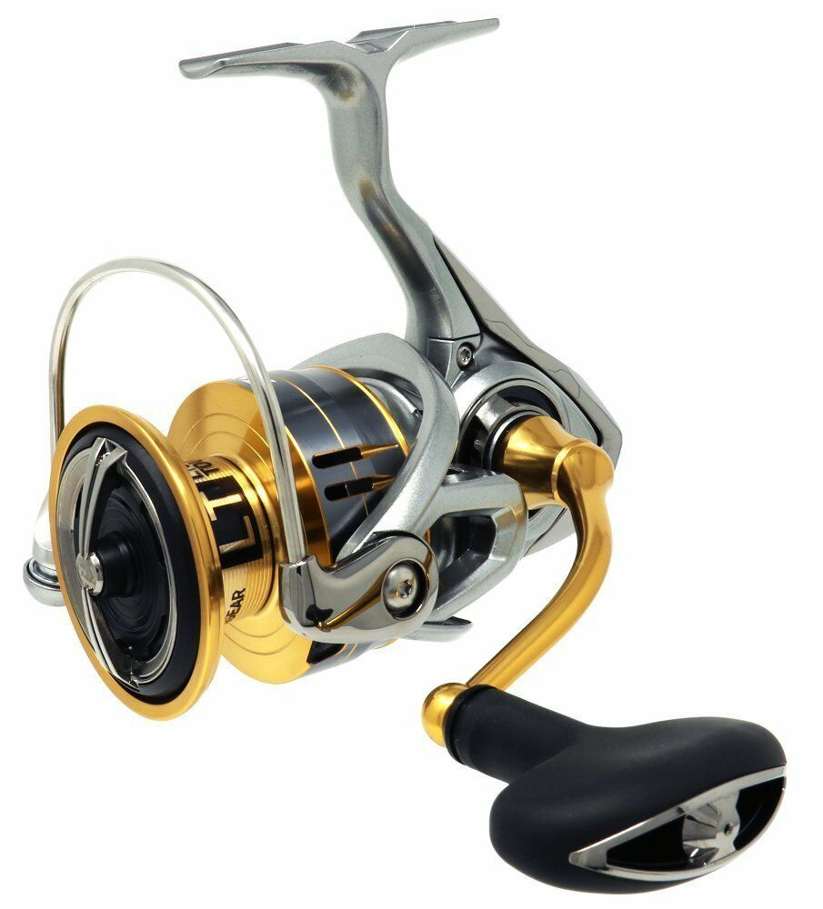 Daiwa Spinning FREAMS  Fishing Reel 18 FREAMS Spinning LT5000D-CXH from japan【NEW IN BOX】 81c9a4