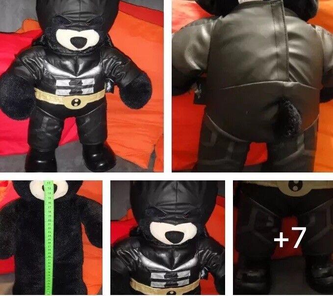 Build-A-Bear Workshop Bär Teddy TeddyBär mit Kleidung    batman kostüm schwarzbä