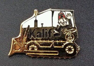 Kalif Shriner Driving Bulldozer Hat Lapel Tie Tack Pin Brass Gold Ohio Masonic