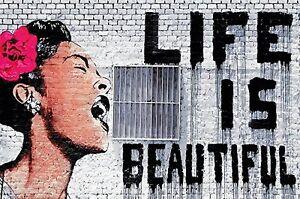Banksy-Life-is-beautiful-Fototapete-Life-is-beatiful-Wandbild-140cm-x-100cm