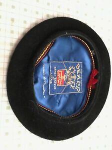 970ccf500bf36 Vintage Black Bearn Beret Basque DeLuxe~Souvenir de Versailles~9-1 2 ...