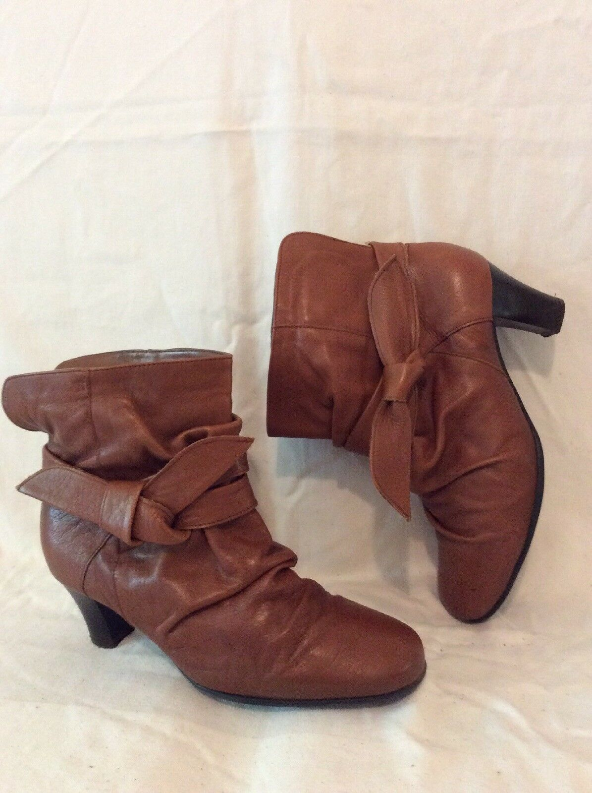 Froggie Brown Ankle Leather Boots Size 5.5