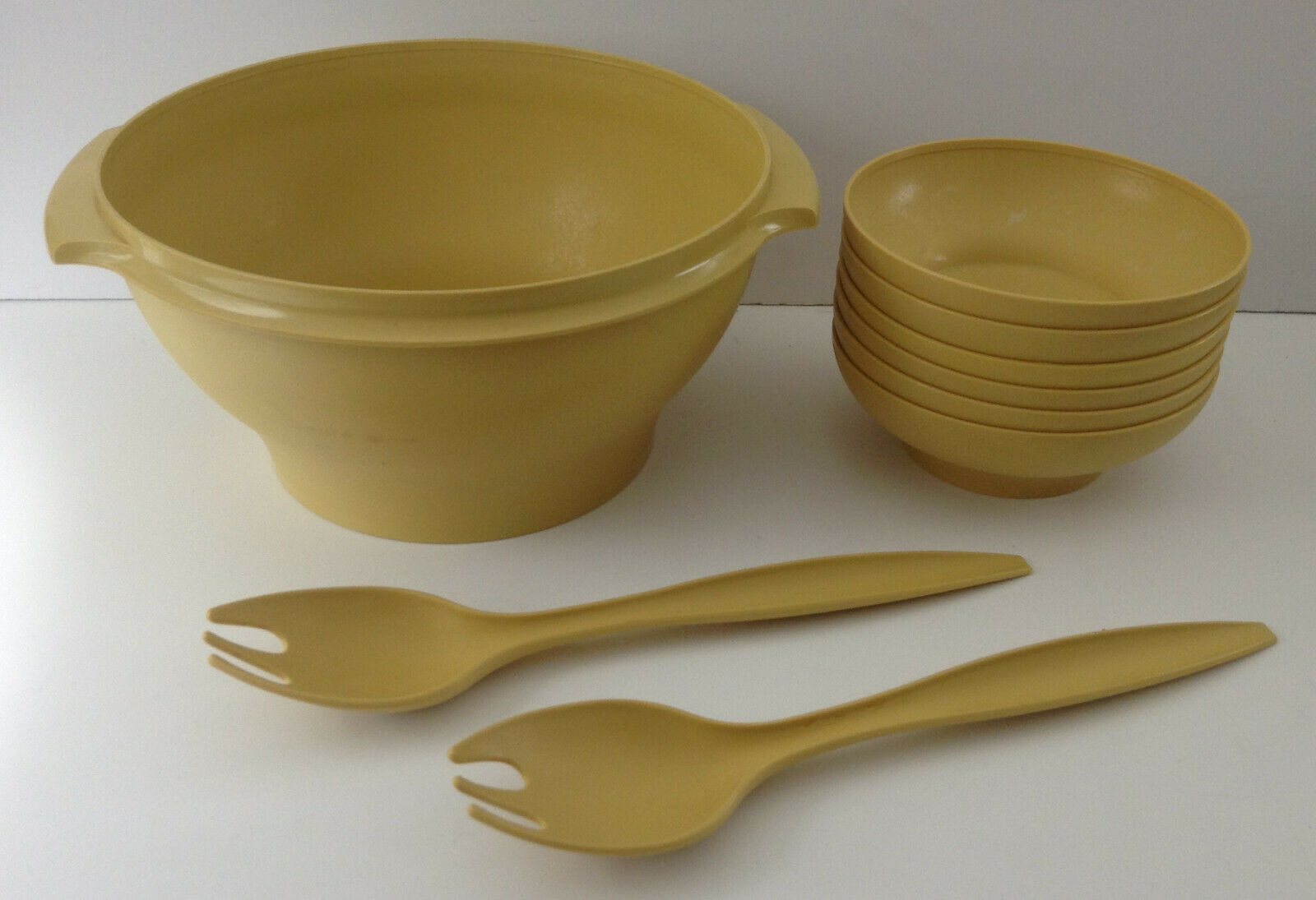 Vintage Tupperware 9 PC Salad Bowl Set