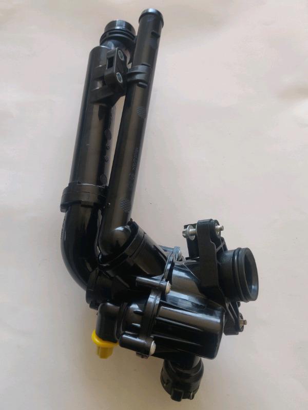 Mercedes Benz Brandnew M274 Engine thermostat