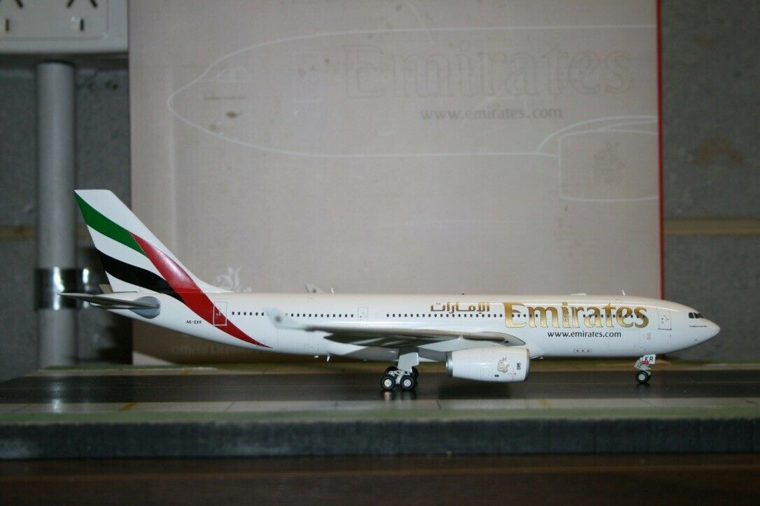 Gemini Jets 1 200 Emiratos Airbus A330-200 A6-EKR (G2UAE371) modelo de avión