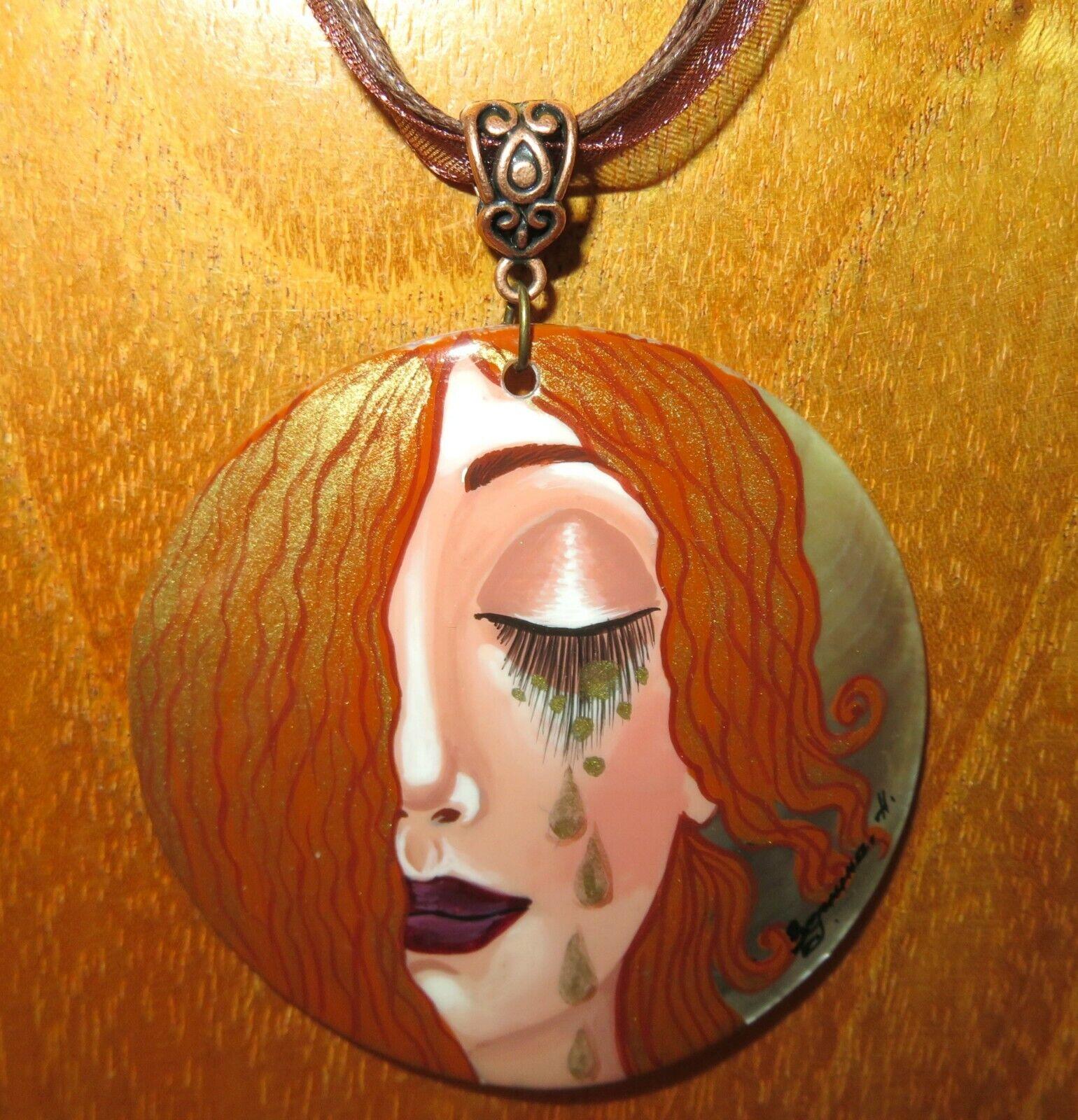 Anhänger Klimt Freya Tränen aus gold Original Handbemalt Muschel Reproduktion