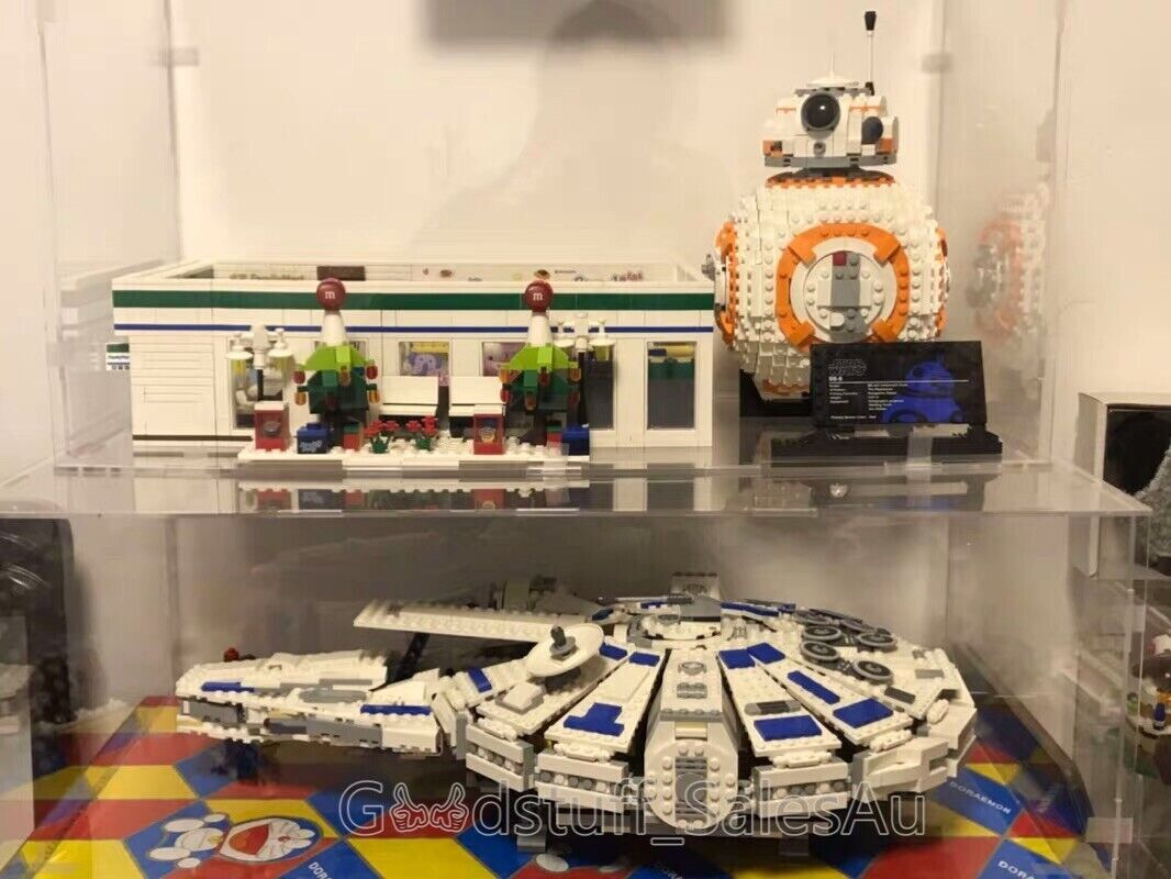 Lego display case for Lego Star Wars Kessel Run Millennium Falcon 75212