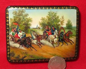 TROIKA-races-Lacquer-Box-3-Horses-carriage-Russian-small-GICLEE-FEDOSKINO-style