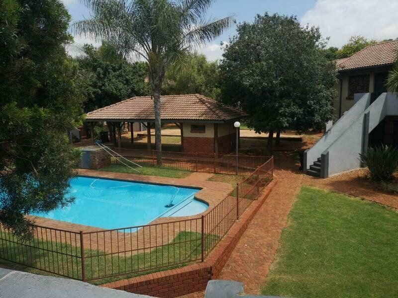 Excellent investment. Bachelor unit for students or working person. Walking distance from TUT.