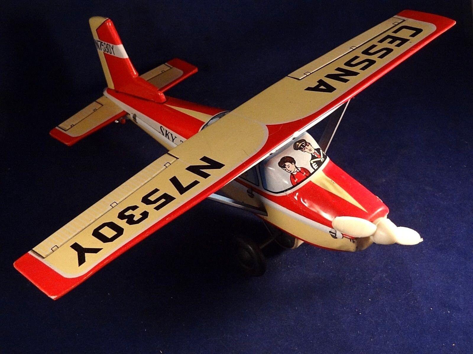 Ancien jouet bel avion CESSNA N7530Y tôle SKY TAXI T.T. Japan années 60