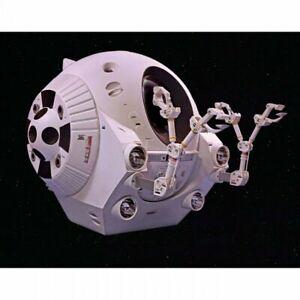 1-8-2001-Space-Odyssey-EVA-Pod-Plastic-Moebius-Model-Kit-2001-4-MOE20014