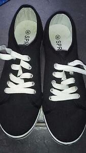 Schuhe, Sneakers, Damenschuhe, Gr. 38, neuwertig