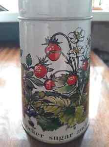 Vintage-Retro-Metal-Sugar-Shaker-Can-Canister-Floral-Strawberries-Blueberries
