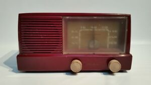 General-Electric-GE-Model-416-Tube-Radio-Burgundy-Antique