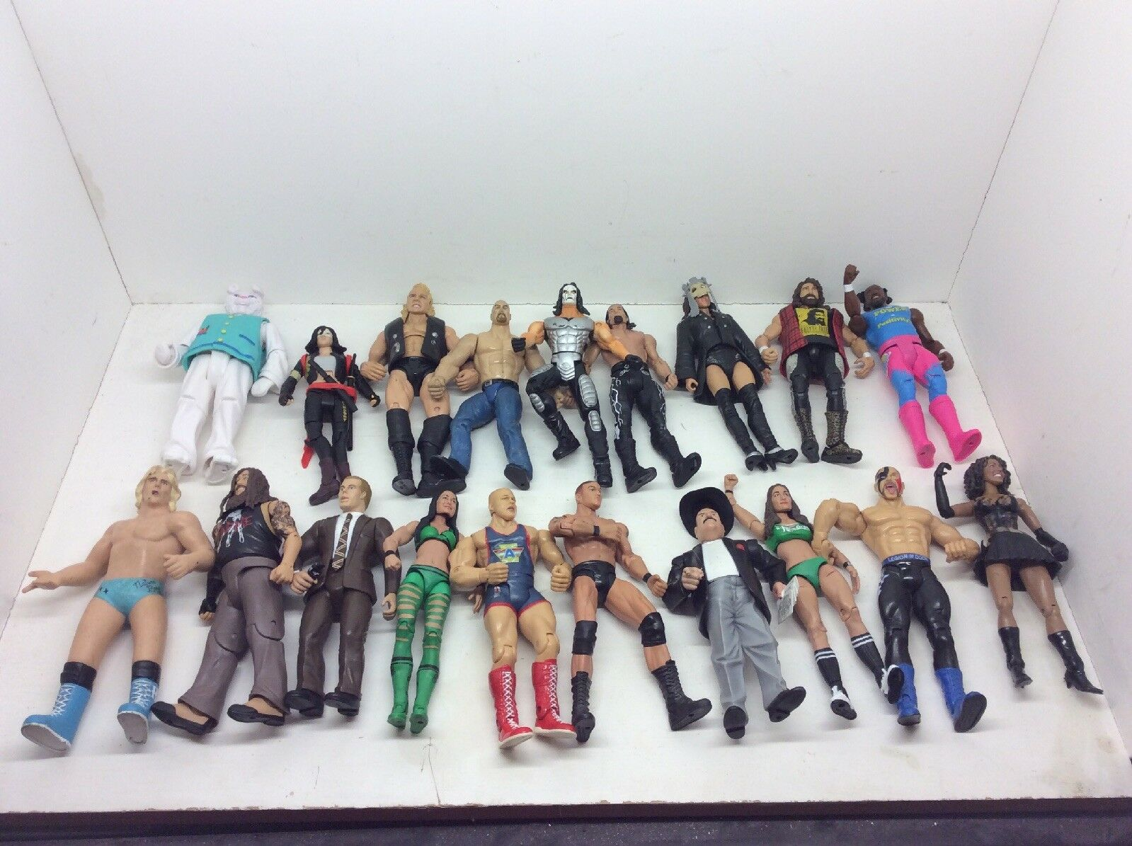 19x Mixed WWF   WWE Figures