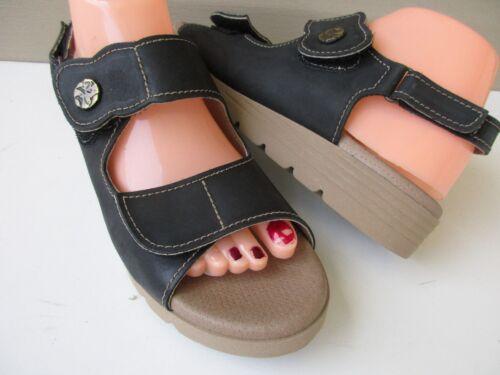 Worishofer Women Size  9 Sandals Germany Black Lea