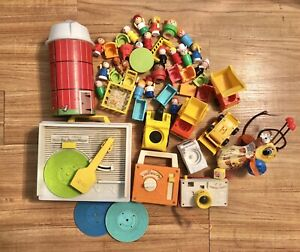 Vintage-Fisher-Price-Little-People-Toy-Lot-Record-Player-Camera-Bee-Radio-Silo