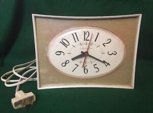 Details about Vintage GE Art Deco Mid Century Modern Kitchen Wall / Desk  Clock