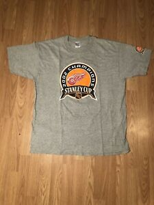 Detroit-Red-Wings-2002-Stanley-Cup-Champions-T-Shirt-NHL-Hockey-Mens-XL