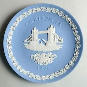 Wedgwood-China-JASPERWARE-CHRISTMAS-PLATE-Tower-Bridge