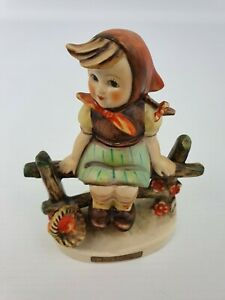 Just-Resting-Girl-Fence-Hummel-Goebel-Number-112-3-0-Figurine-TMK-4-3LM-Bee-4-034