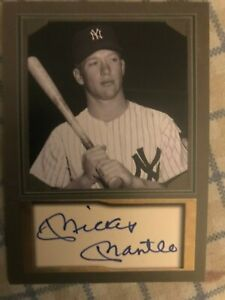 MICKEY-MANTLE-FACSIMILE-AUTOGRAPH-CARD-NEW-YORK-YANKEES-HOF