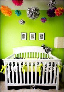 Inspire-Bright-Green-Nursery-Wallpaper-010-Plain-Modern-Baby-Room