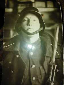 Original-vintage-postcard-photo-of-a-soldier-of-the-Latvian-army-of-1939
