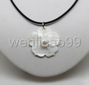 Beautiful-Natural-White-Freshwater-Mother-Of-Pearl-Shell-Flower-Pendant-Necklace