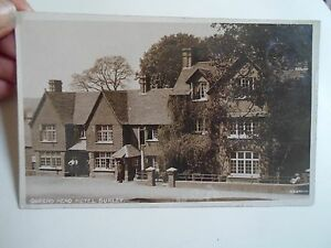 Rare-Vintage-Real-Photo-Postcard-QUEENS-HEAD-HOTEL-BURLEY-Hampshire