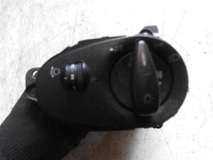 Ford-Focus-mk1-headlight-switch