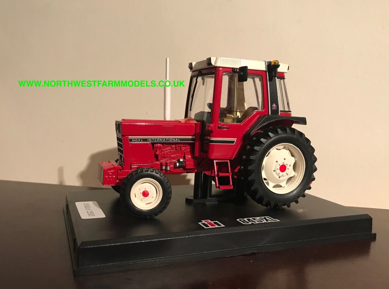 Replicagri 1 32 Scale International 845XL 2WD Limited Edition 2500 PIECES