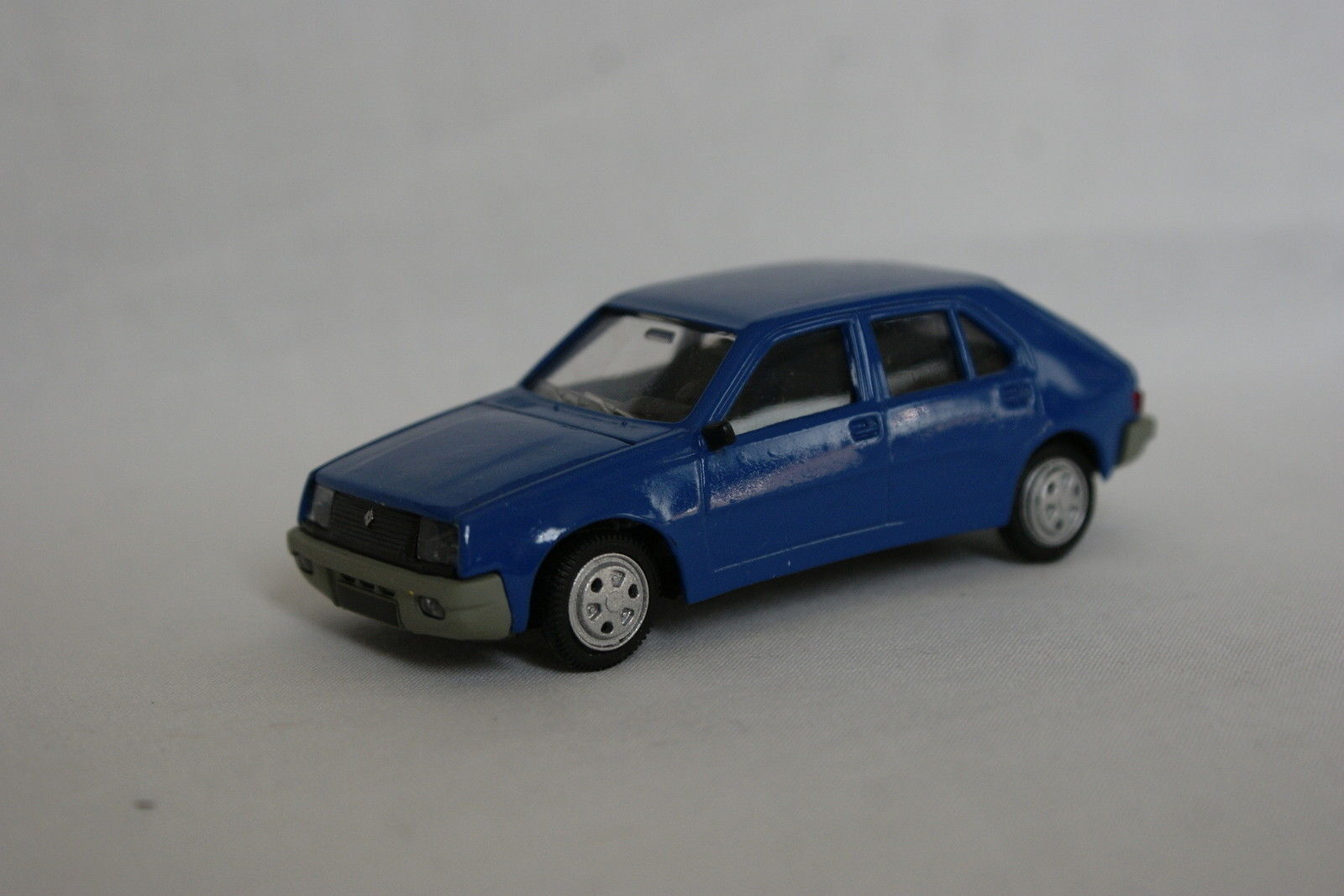Norev SB 1 43 - - - Renault 14 bluee 955919