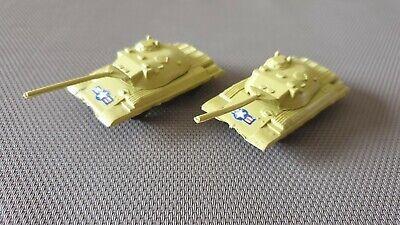 Bene C1 - Jouet Plastique Lot De 2 Chars Militaire Couleur Sable En Très Bon Etat.
