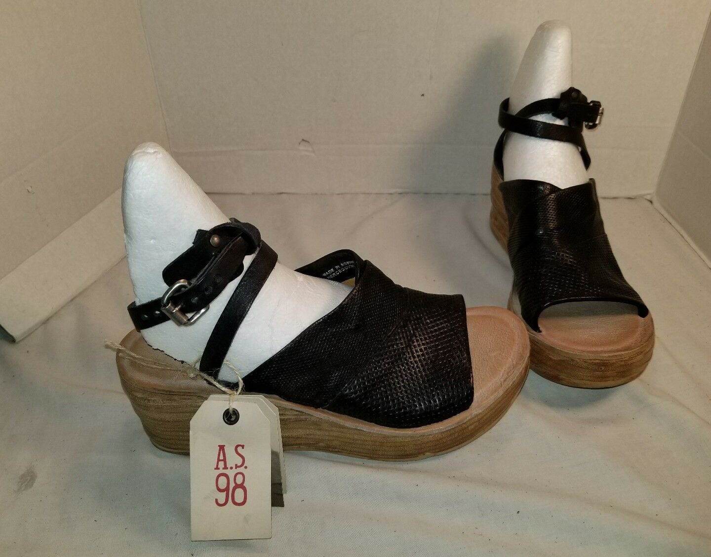 NEW AS 98 NIALL BLACK LEATHER PLATFORM WEDGE SANDALS 10.5  11 EUR 41