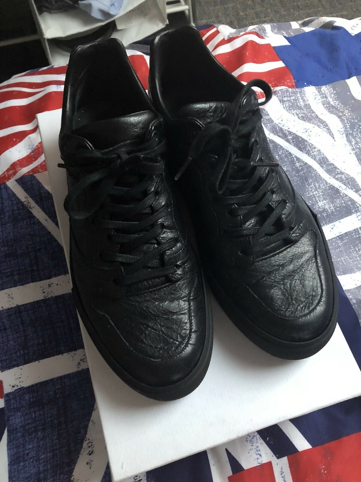 Balenciaga Baskets Taille 39 (fit comme une taille 7)