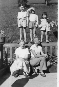 DR396-Photographie-Photo-vintage-Snapshot-femme-woman-enfant-child-ombre-shadow