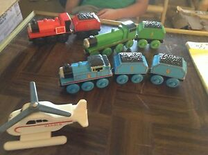 Thomas-the-tank-train-engines-and-cars