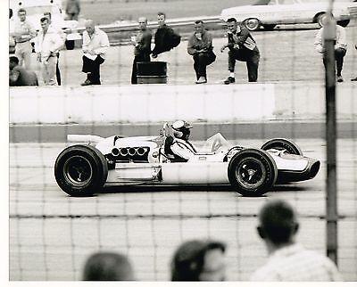 JUD LARSON 1964 INDY 500 MILWAUKEE HOPKINS SPL #17 8 X 10 PHOTO