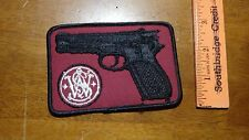 VINTAGE  SMITH AND WESSON HAND GUN PISTOL HUNTING CLUB   PATCH BX M #10