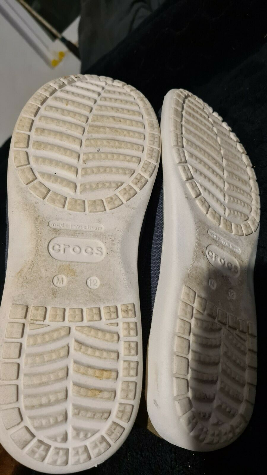 crocs canvas slippers  12M - image 6