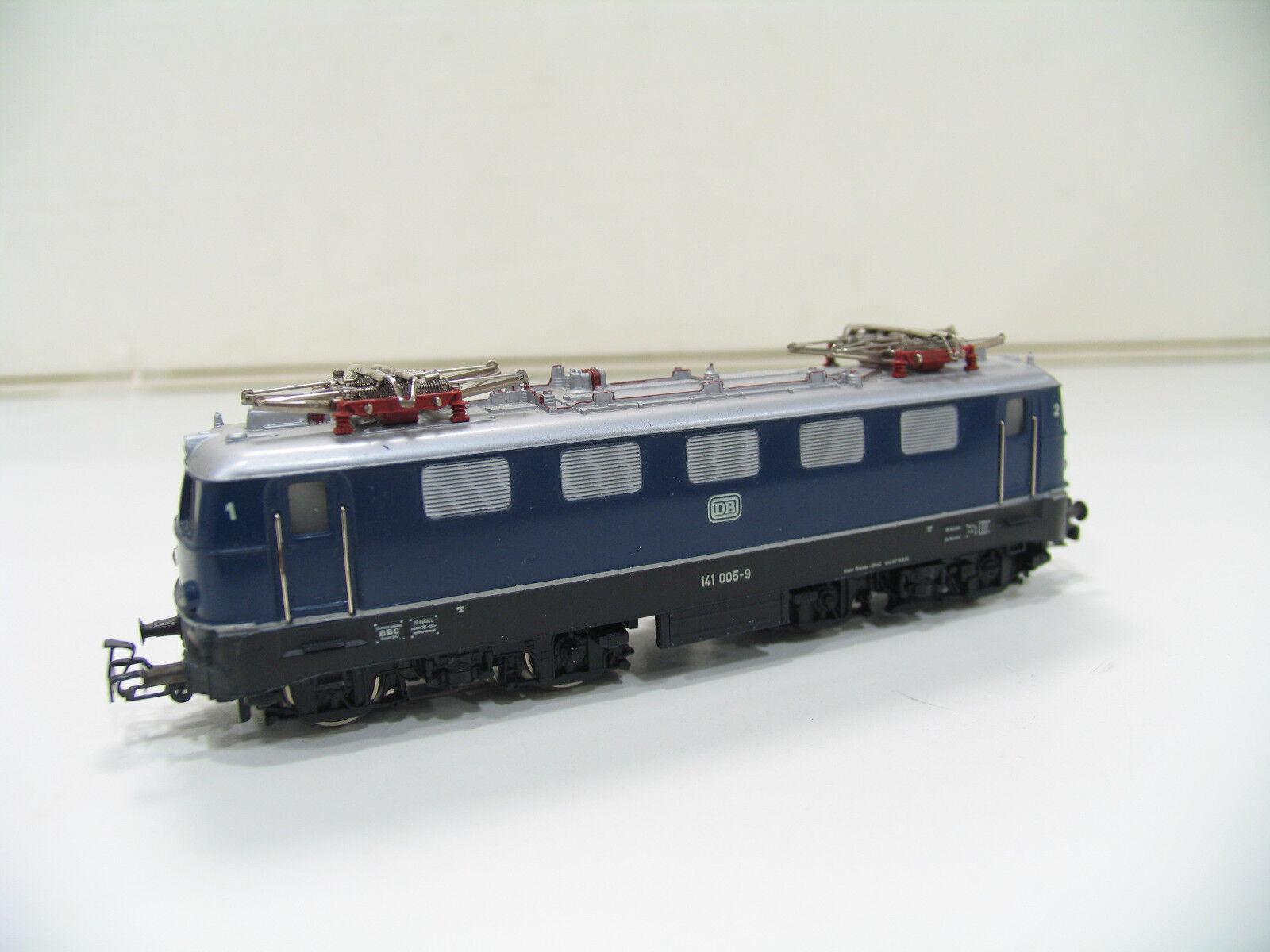 Märklin 3034 e-Lok br 141 blu de la DB.fp304