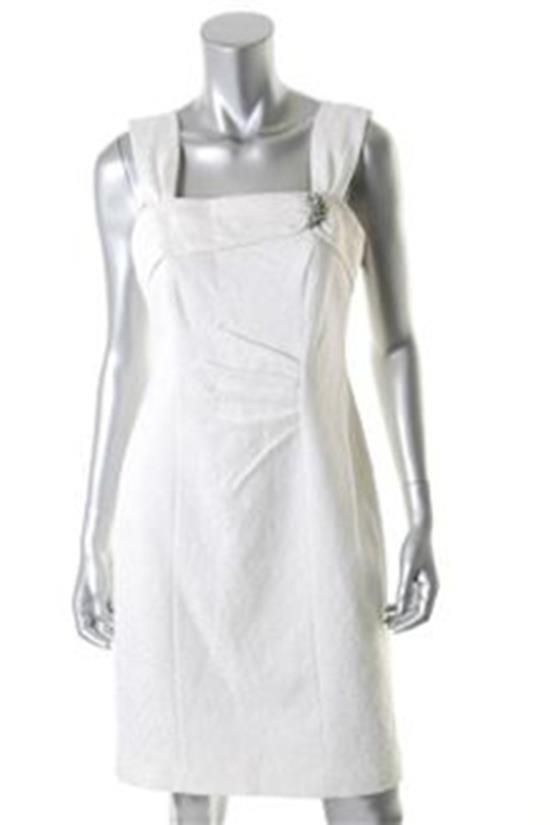 Kay Unger Weiß Cocktail Formal Dress w Removable Brooch Größe 8 NWT
