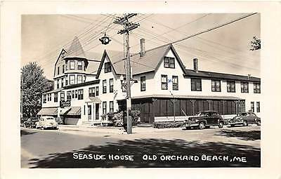 OLD ORCHARD BEACH, ME ~ AUTOS AT SEASIDE HOUSE MOTEL ~ REAL PHOTO PC ~ u. 1952