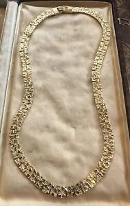 Vintage-1970s-Gold-Tone-Detailed-Necklace