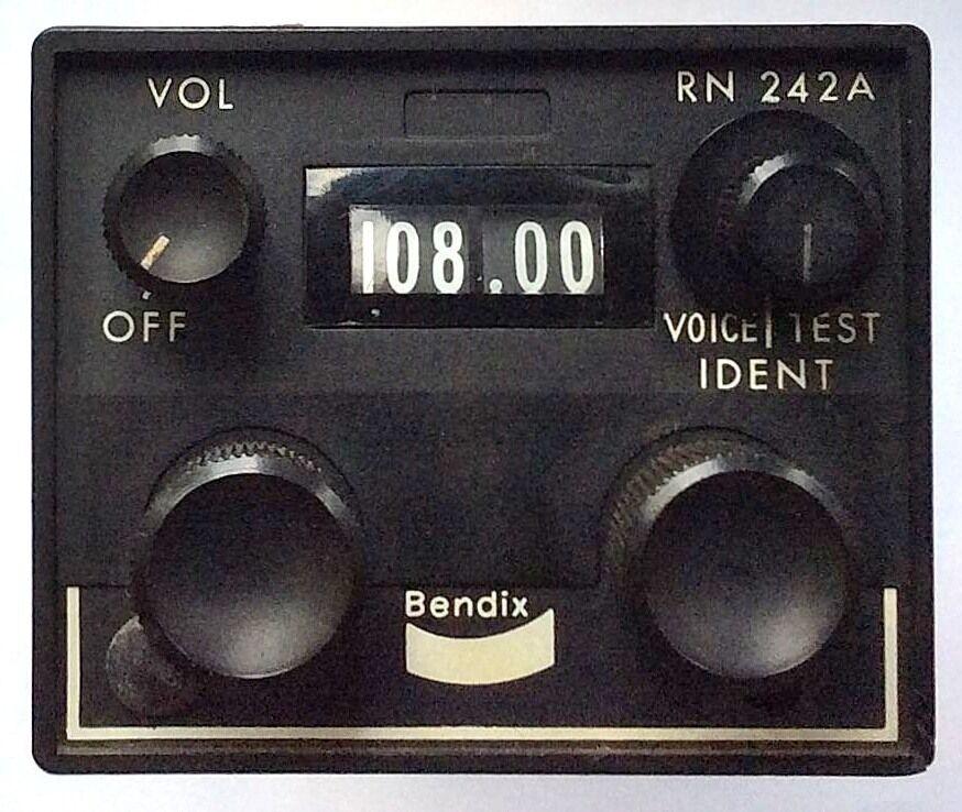 Bendix Avionics RN 242A NAV-Receiver S N 3024