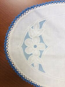 Two-12-X-16-Linen-Placemats-Blue-amp-Off-White-Embroidered-Flowers-With-Blue-Trim