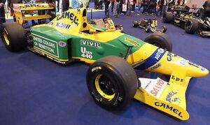 1-10-Benetton-F1-B192-Michael-Shumacher-RC-Carrosserie-Paquet-avec-autocollant-pieces