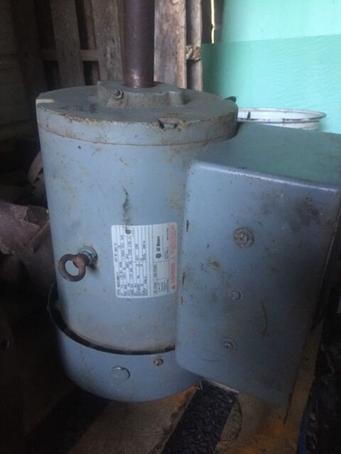 GE PHASE 1 MOTOR SERIAL NO  ZNY12 MODEL 5KC21588111 HP 7 5 230 VOLTS 3500  RPM