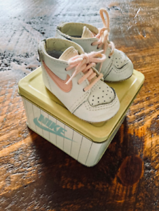 Details about Vintage Nike 1987 Baby Shoes Size 1 White Pink Original Metal Box RARE NEAR MINT